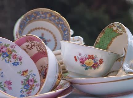 L'arte di ricevere: tazze e piattini