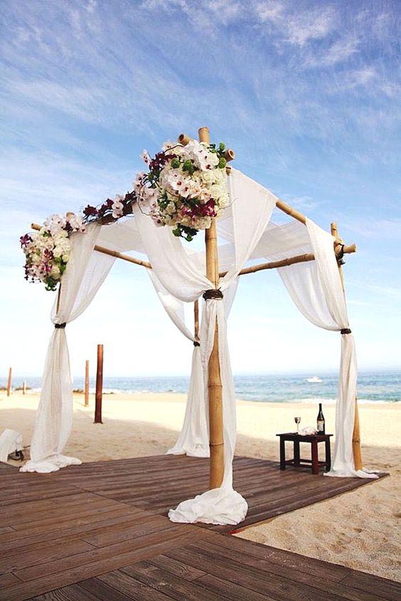 cerimonia simbolica in spiaggia