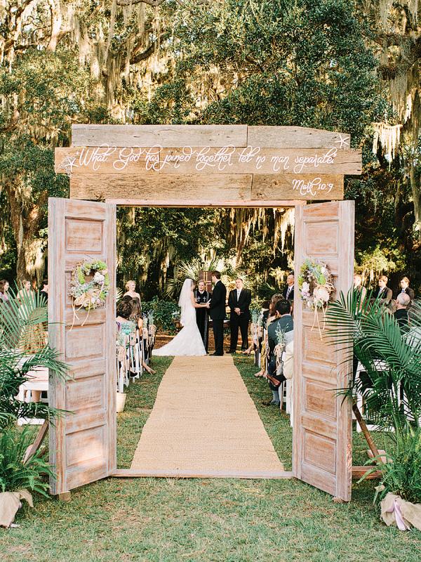 decorare una cerimonia all'aperto