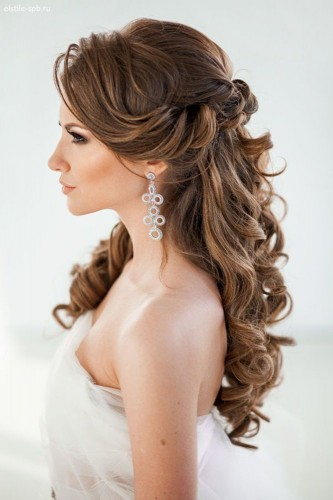 sposa con i capelli lunghi