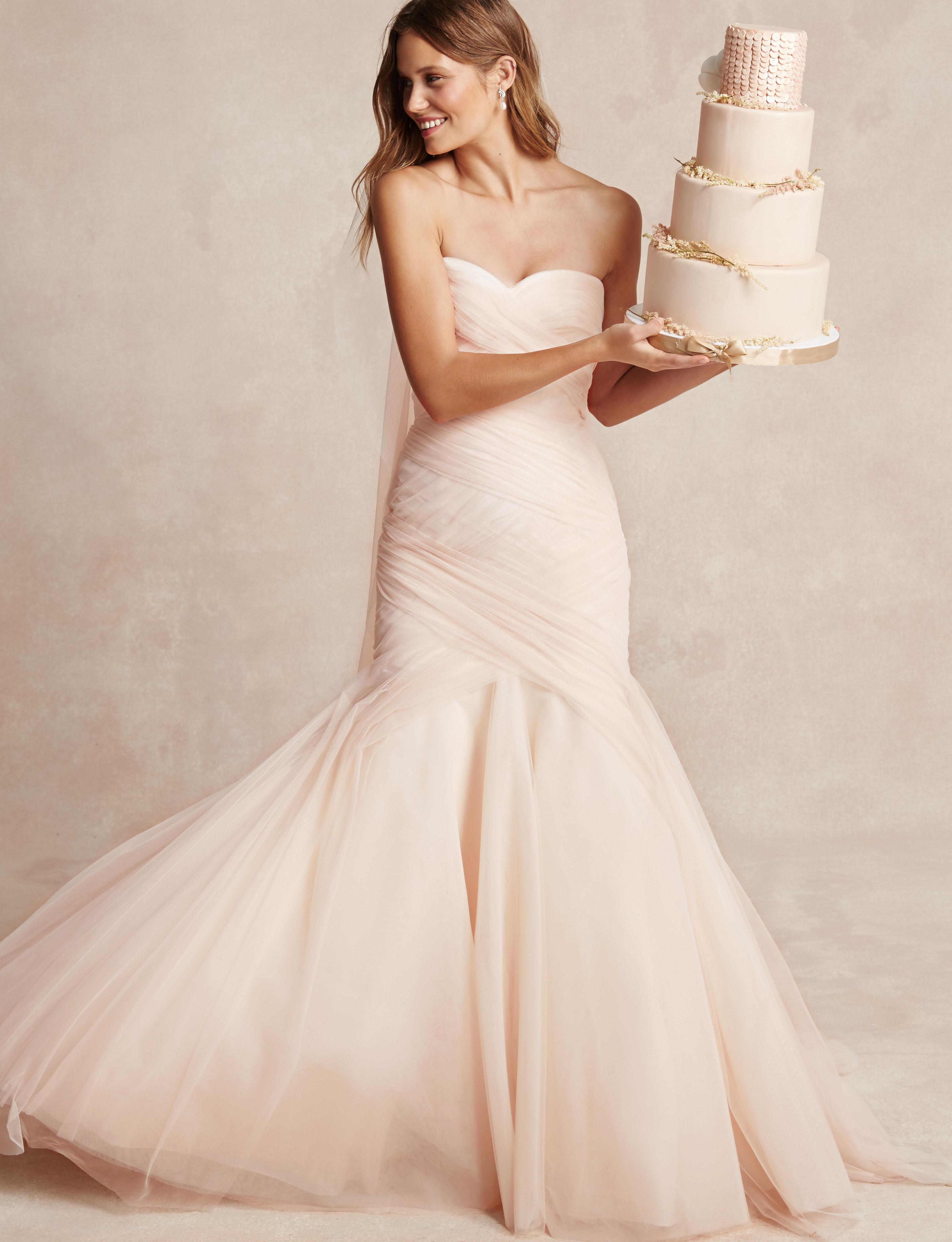 Una collezione sposa femminile e romantica
