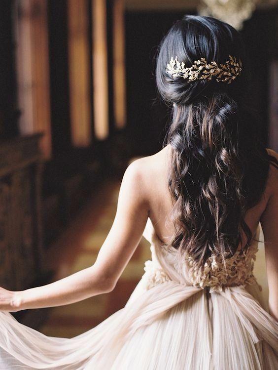 Acconciature per la sposa con i capelli lunghi