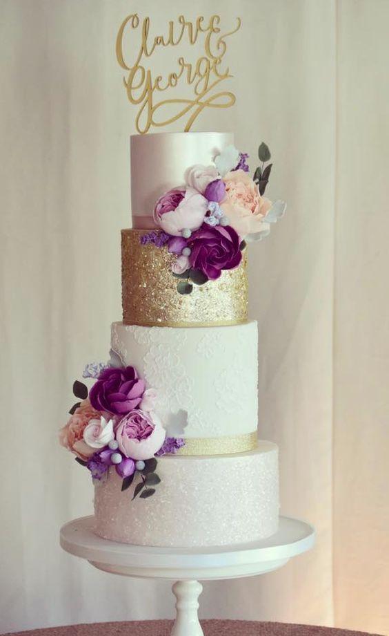 Torta nuziale viola e oro