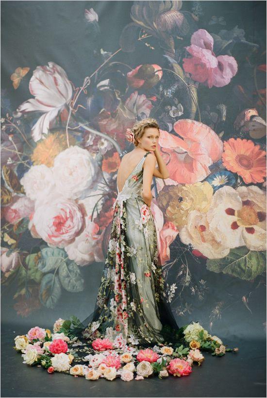 Abiti da sposa con i fiori
