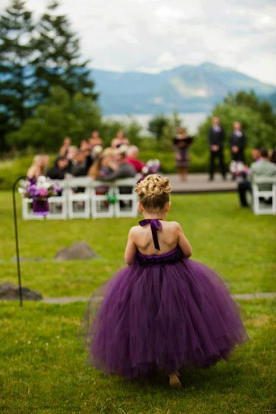Flower girl in viola