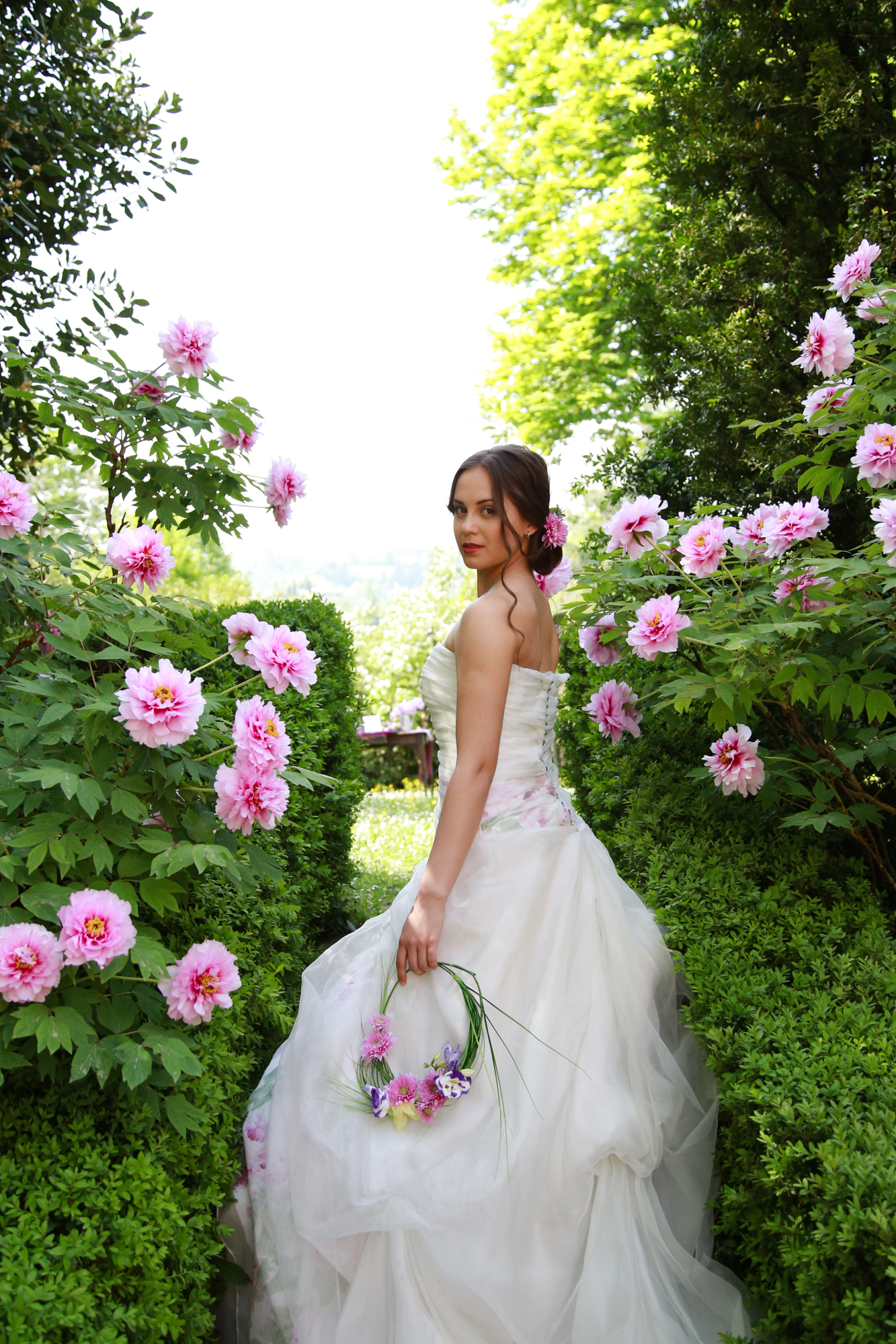Matrimonio di primavera nel giardino segreto