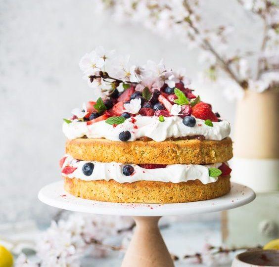 Fiori E Frutti Di Bosco Per La Wedding Cake Matrimonio A