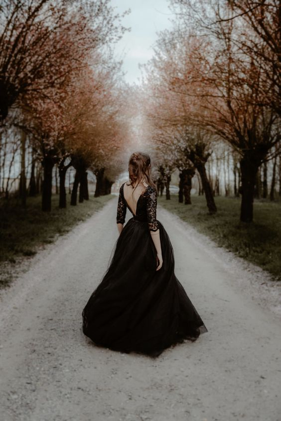 Gli stili della sposa: total black la sposa gotica