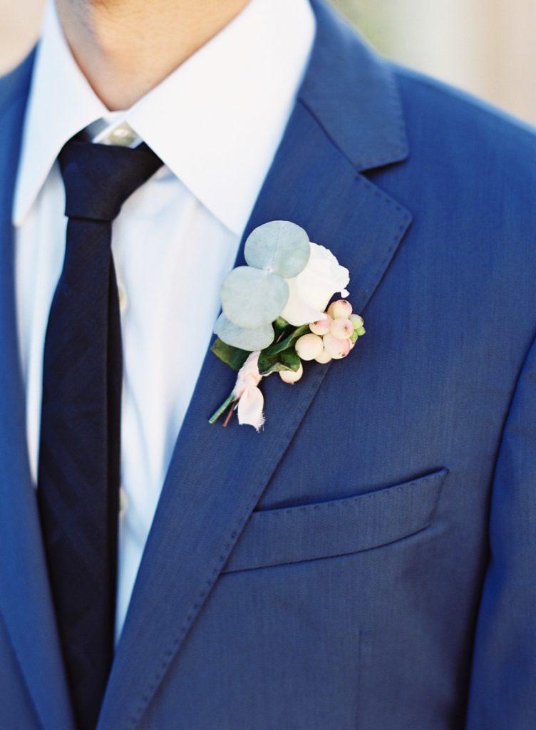 Le bouttoniere per lo sposo primaverili